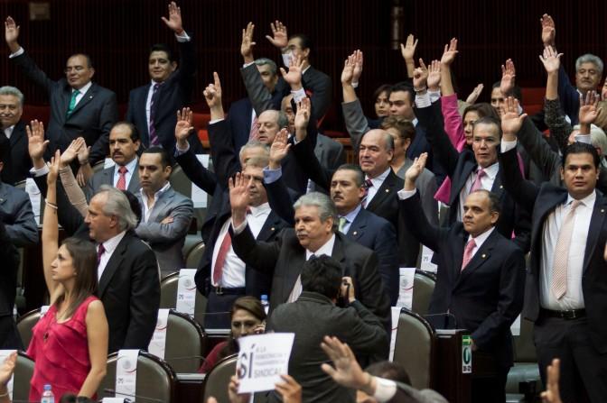 Diputados aprueban Reforma Laboral privilegiando cúpulas sindicales