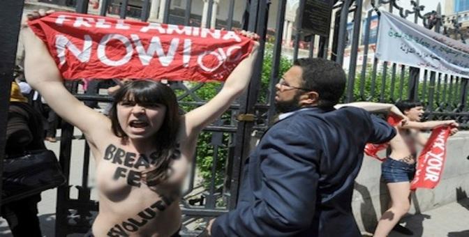 Fotos: Las activistas de Femen llevan la 'yihad topless' a Túnez